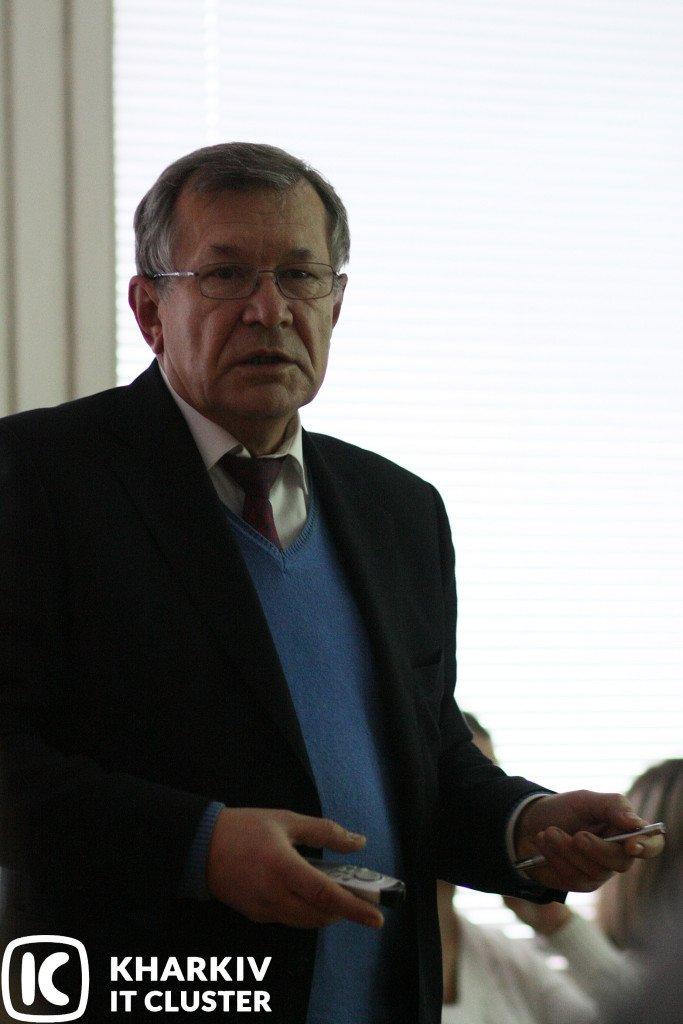 """IMG_4011-683x1024 НТУ """"ХПІ"""" представив Kharkiv IT Cluster інновації у підготовці ІТ-фахівців"""