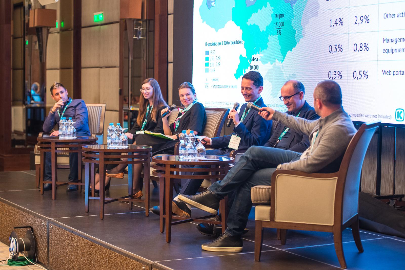 DSC_2409 KHARKIV IT-RESEARCH: 25 000 IT-фахівців, більш ніж 450 компаній у галузі та 5 млрд гривень податків до бюджету України