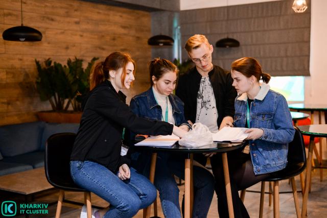 1-11-640x427 Kharkiv IT Cluster шукає волонтерів для організації освітніх заходів!