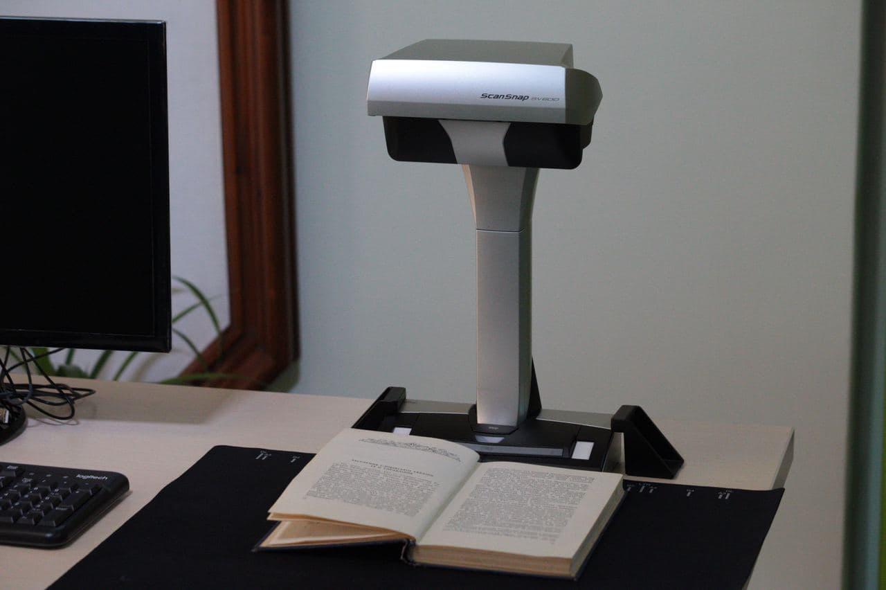 image4 Харківські айтішники подарували Юракадемії суперсучасний книжковий сканер