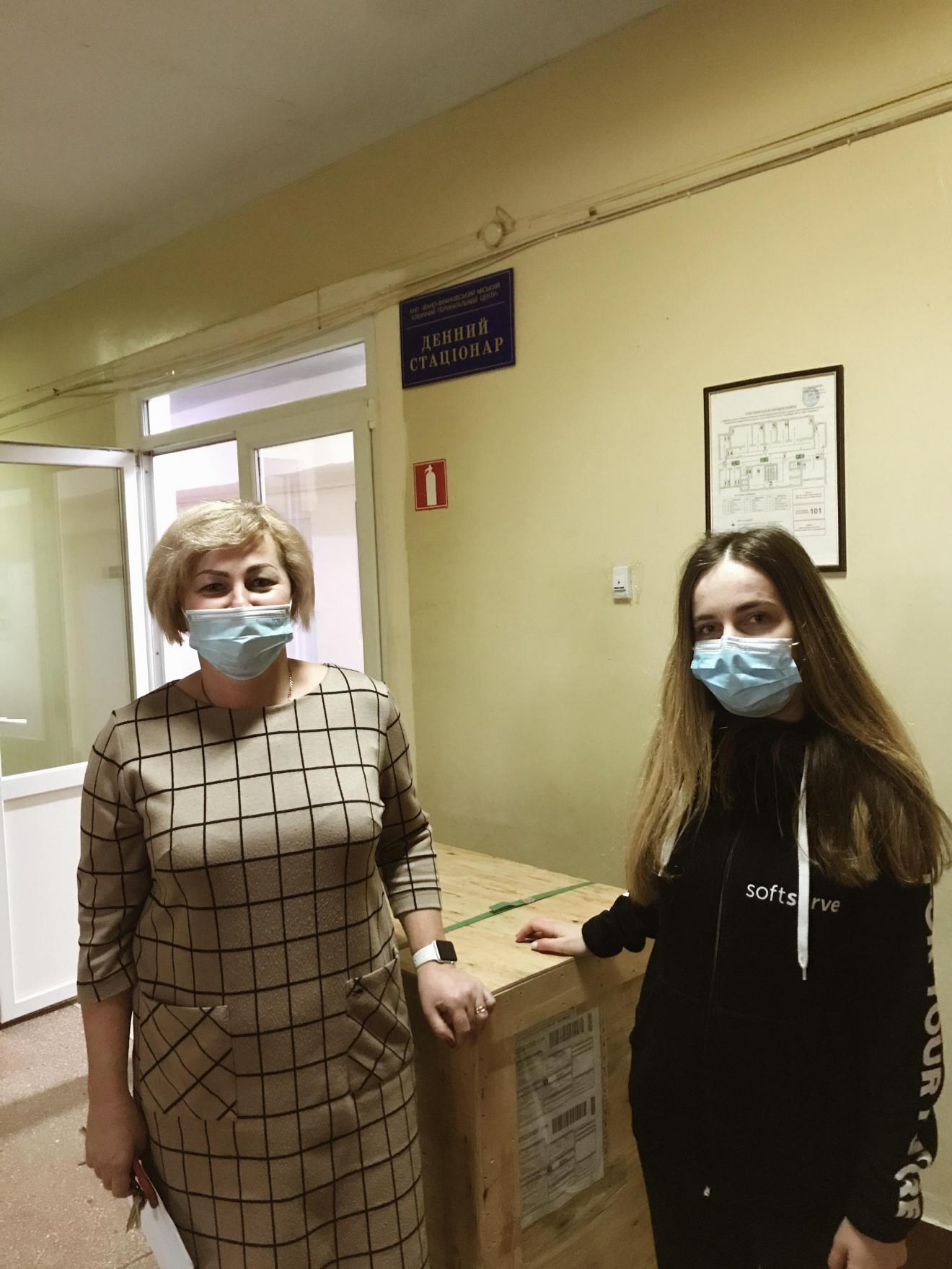 Miskyj-klinichnyj-perynatalnyj-tsentr-Ivano-Frankivskoyi-miskoyi-rady-1320x1760 Благодійний фонд «Відкриті очі» передав лікарням 10 кисневих концентраторів